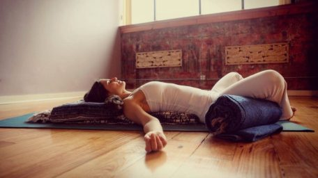 restorative-yoga-800x450